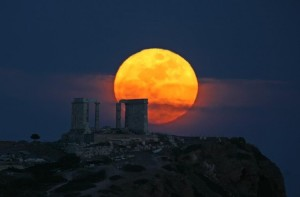 Moon-over-the-Temple-of-Poseidon-800x527